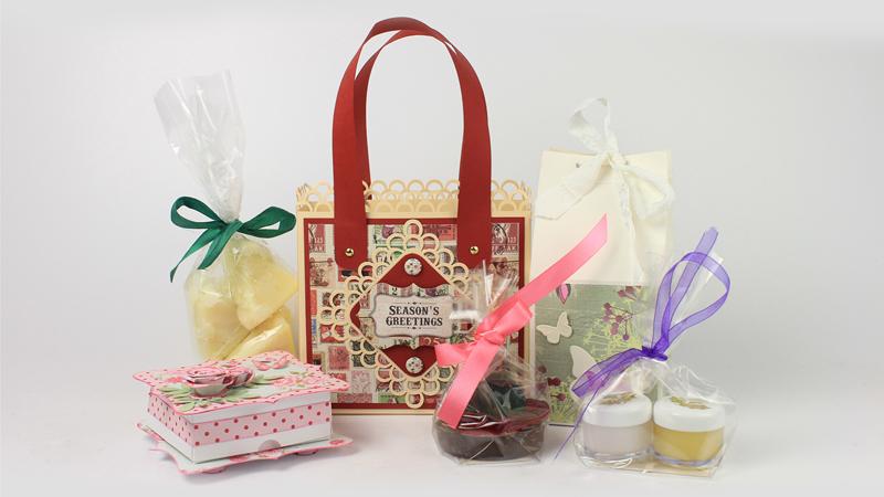 Aromatherapy blog make your own aromatherapy christmas gifts for Make your own christmas gift baskets