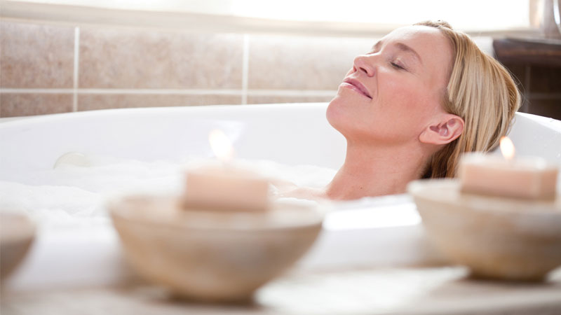 Aromatherapy blends for the bath